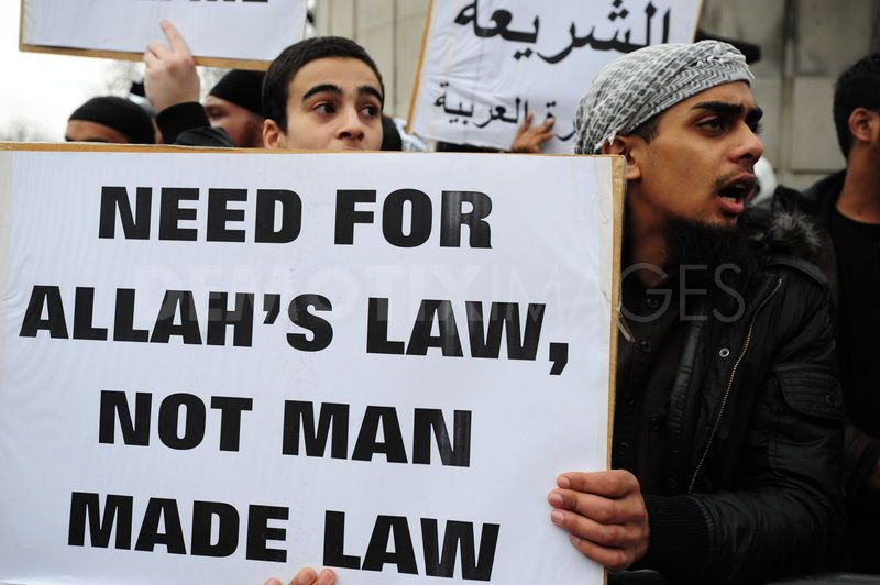 1298656754-muslims-for-shariah-law-protest-at-libyan-embassy-in-london_603305
