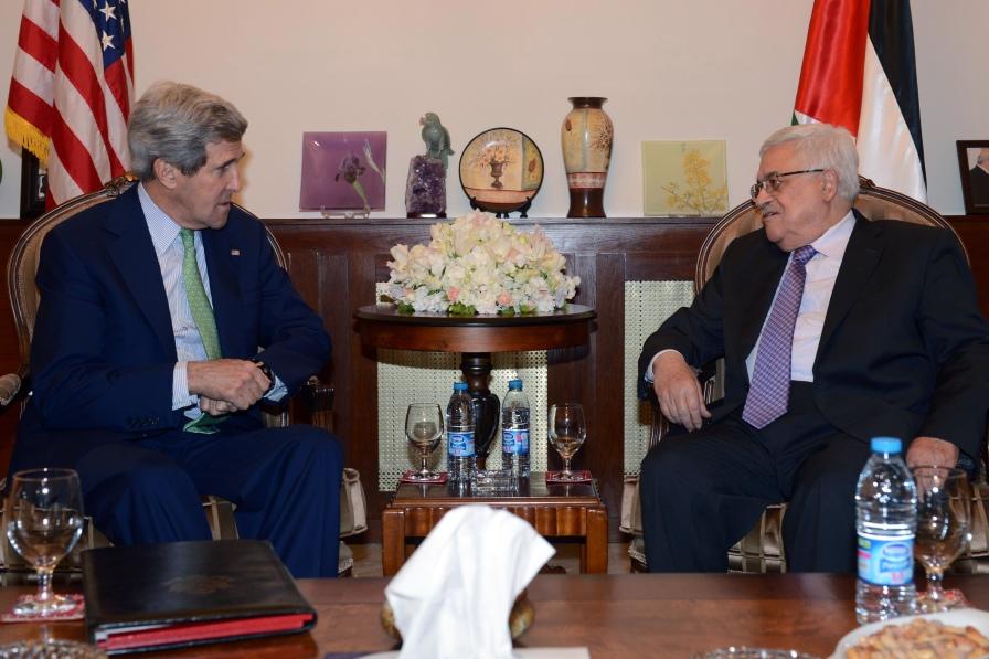 US Secretary of State John Kerry meets in Amman with Palestinian President Mahmoud Abbas
